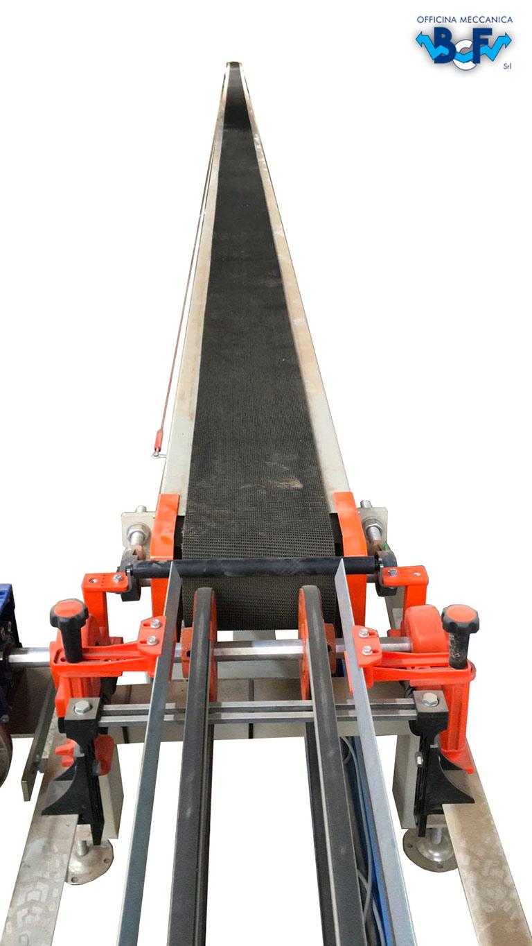 Transport with Conveyor Ribbon   BCF Srl